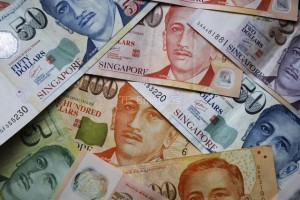 Singapore Dollar Set for Worst Quarter Since 2011 on...