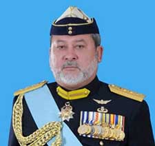 Johor Sultan issues warning to politicians