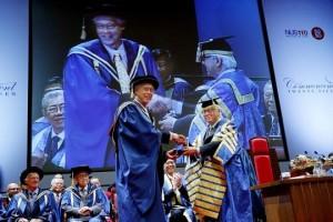 ESM Goh receives highest honour from NUS