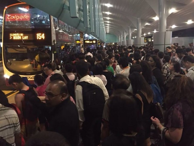 Massive disruptions on 2 main MRT lines