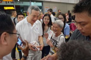 PM Lee working from morning to night giving out fliers