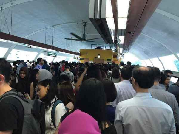 MRT: Take 7 years to fix breakdowns?