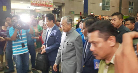 At 93, Mahathir's leadership-in-action puts our PAP Ministers to shame