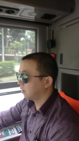 Hilarious Incident involving an Egotistical PRC Driver on SBSTransit