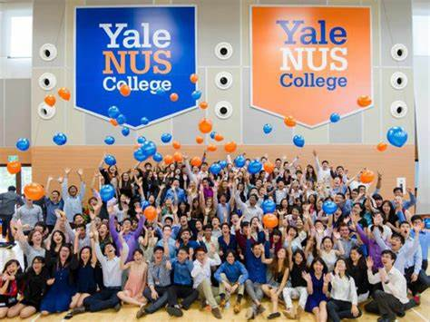 Did the leaders of YALE-NUS lie?