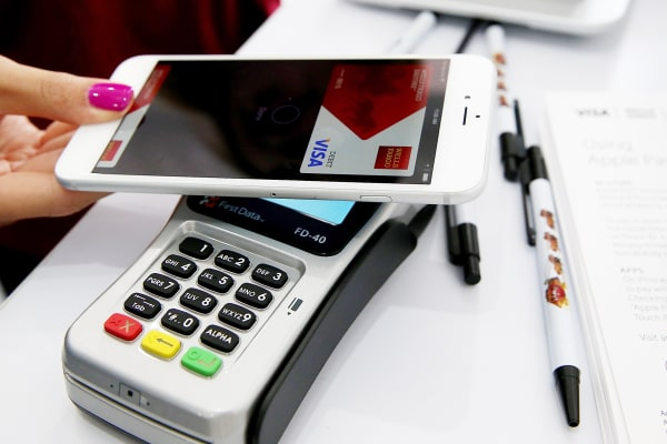 How to make merchants like cashless payments