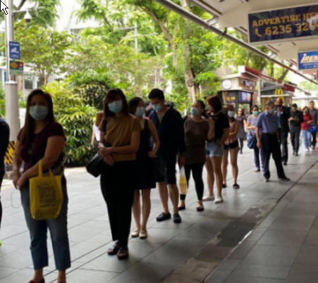 Nearly 300 Vietnamese Stranded in Singapore